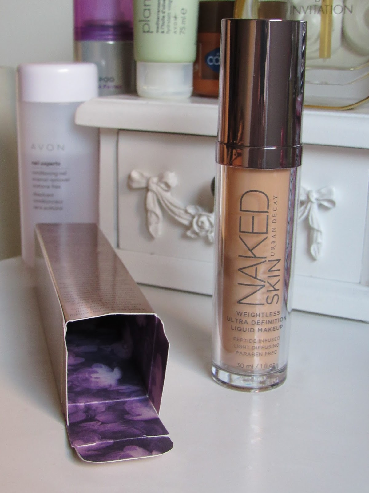 Blooming Fiction beauty review of Urban Decay's Naked Skin foundation