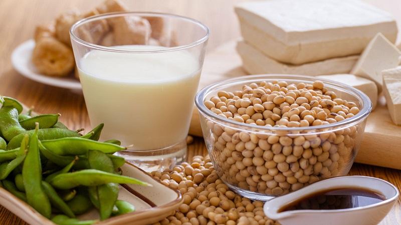 Como a Soja pode Beneficiar os Sintomas da Menopausa