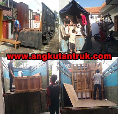 Angkutan Truk di Bogor
