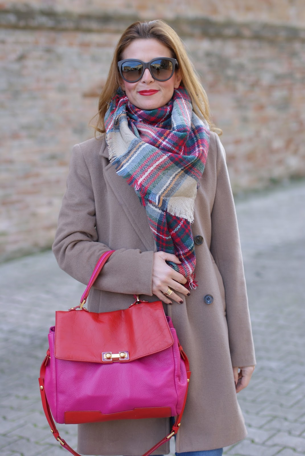 Camel boyfriend coat and Zara checked plaid scarf on Fashion and Cookies fashion blog, fashion blogger style