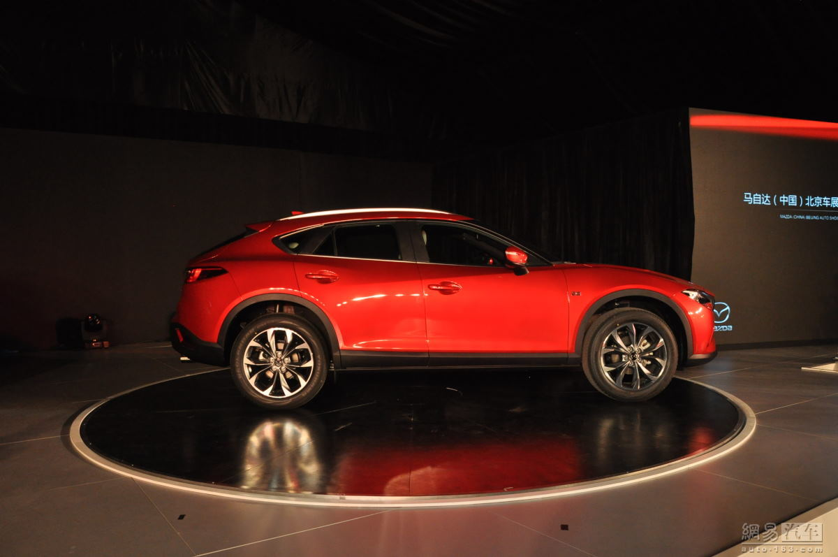 sleek mazda cx 4 suv coupe won 39 t make it to europe types cars. Black Bedroom Furniture Sets. Home Design Ideas