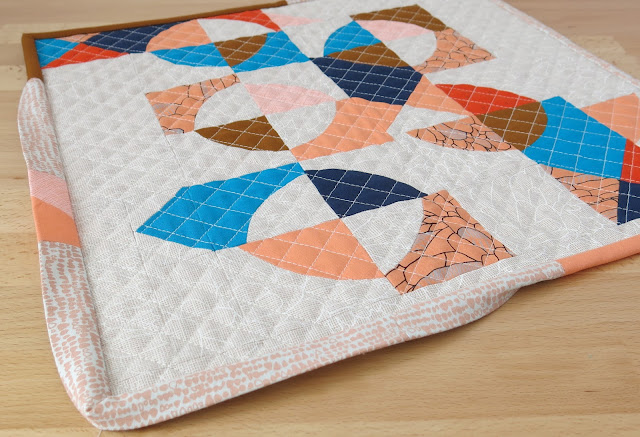 Luna Lovequilts - Mini Improv quilt - Binding in progress