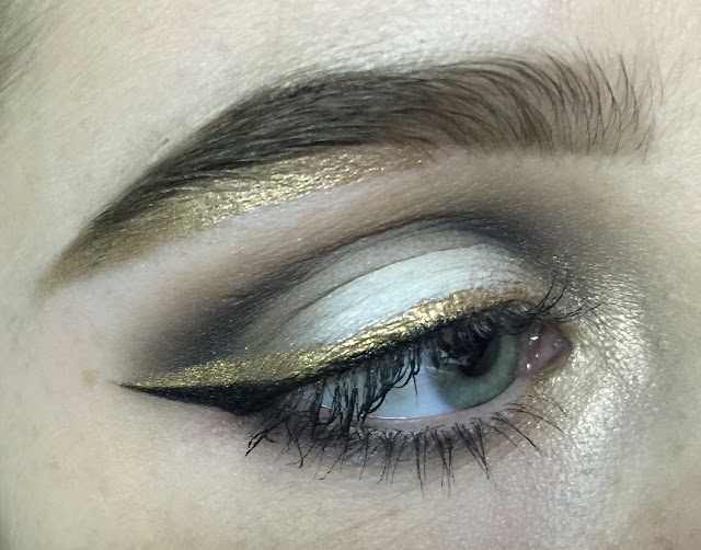 makeup inspiration: pale colorful eyeshadow and eyeliner in gold | Cool Chic Style Fashion
