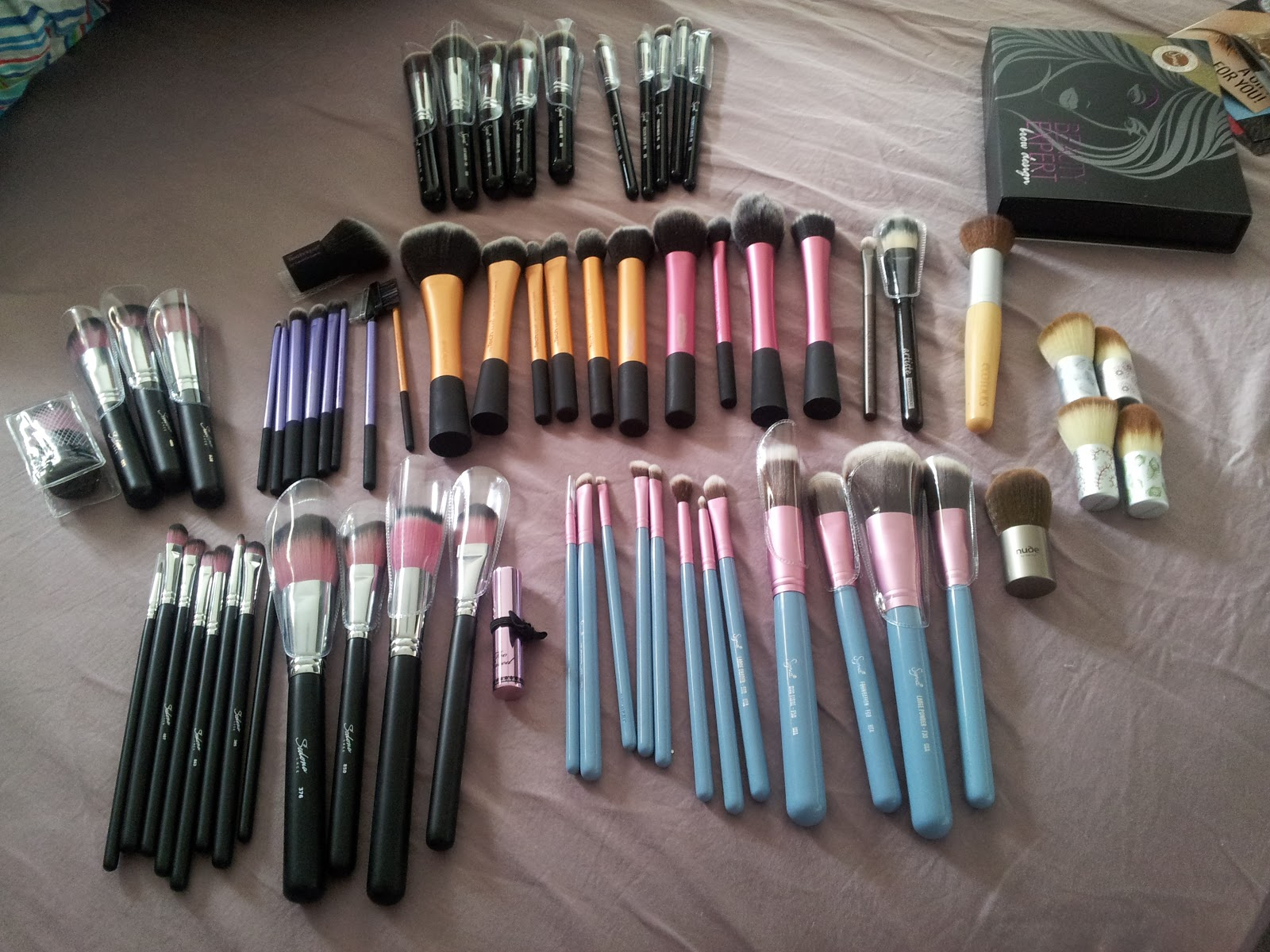 Beauty Obsessed: Make Up Tools - Sigma Brushes Mrs  Bunny Review