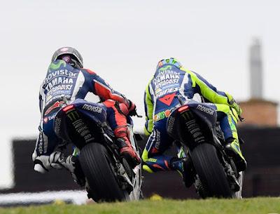 Sasis Baru Hanya Untuk Rossi, Yamaha Mulai Batasi Lorenzo
