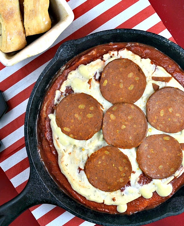 dairy free pizza dip, vegetarian pizza dip, vegetarian pizza dip recipe. vegan garlic pizza dip, vegan pizza dip, vegan pizza dip recipe, healthy pizza dip recipe, healthy pizza dipping sauce, yummy healthy easy pizza dip, healthy pizza dip, healthy white pizza dip