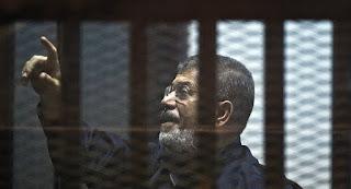 التلفزيون الرسمي المصري : وفاة الرئيس المصري السابق محمد مرسي أثناء جلسة محاكمته