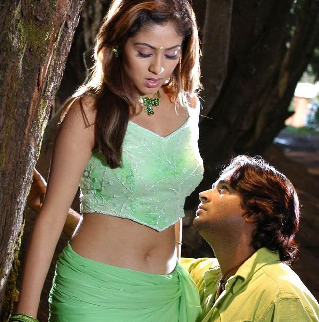 Tamil actress Navel kiss
