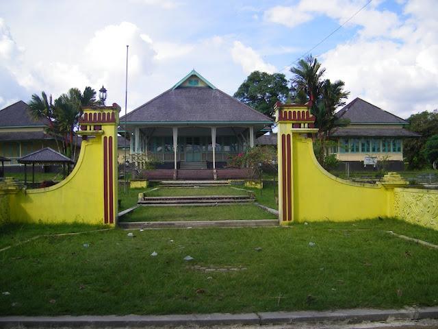 Menelusuri  Peradaban Melalui Museum  Dara Juanti Sintang