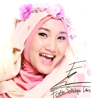 Tutorial Hijab Memakai Jilbab Pashmina ala Fatin Shidqia Lubis