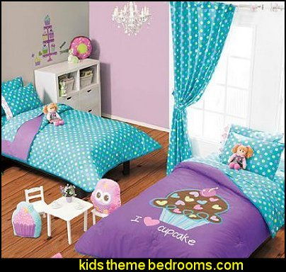 Cupcake Reversible Comforter and Sheet Set