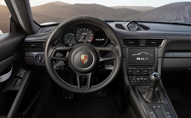 2017 Porsche 911 R Feartures