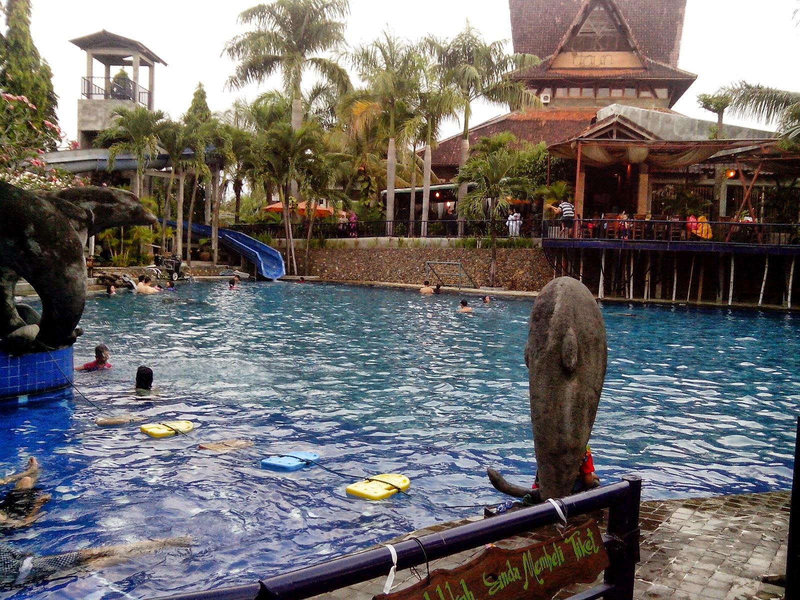 Kolam renang Bukit Daun Hotel and Resort