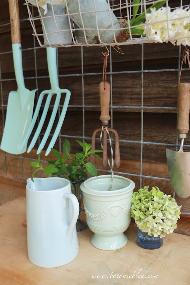potting-bench-area-in-pale-blue-colors