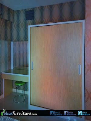 Lemari 2 pintu dan meja rias untuk apartemen