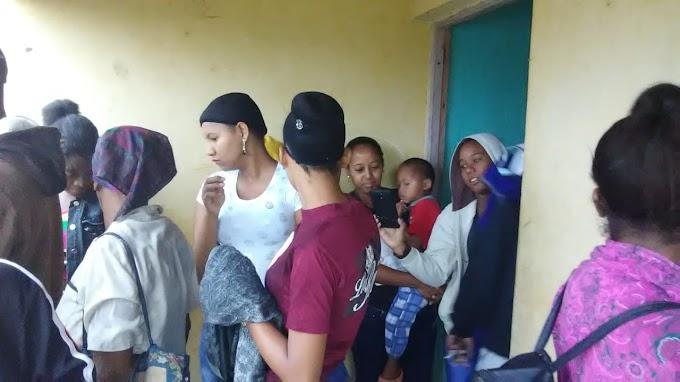 Estudiantes de La Guázara de Barahona piden un transporte Estudiantil  a Danilo Medina