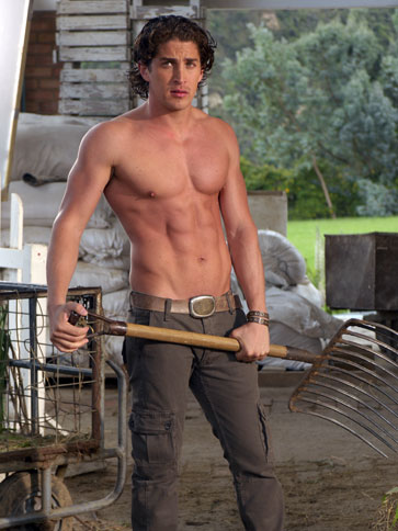 mexican hunks 13 shirtless pictures of mexican hot actor
