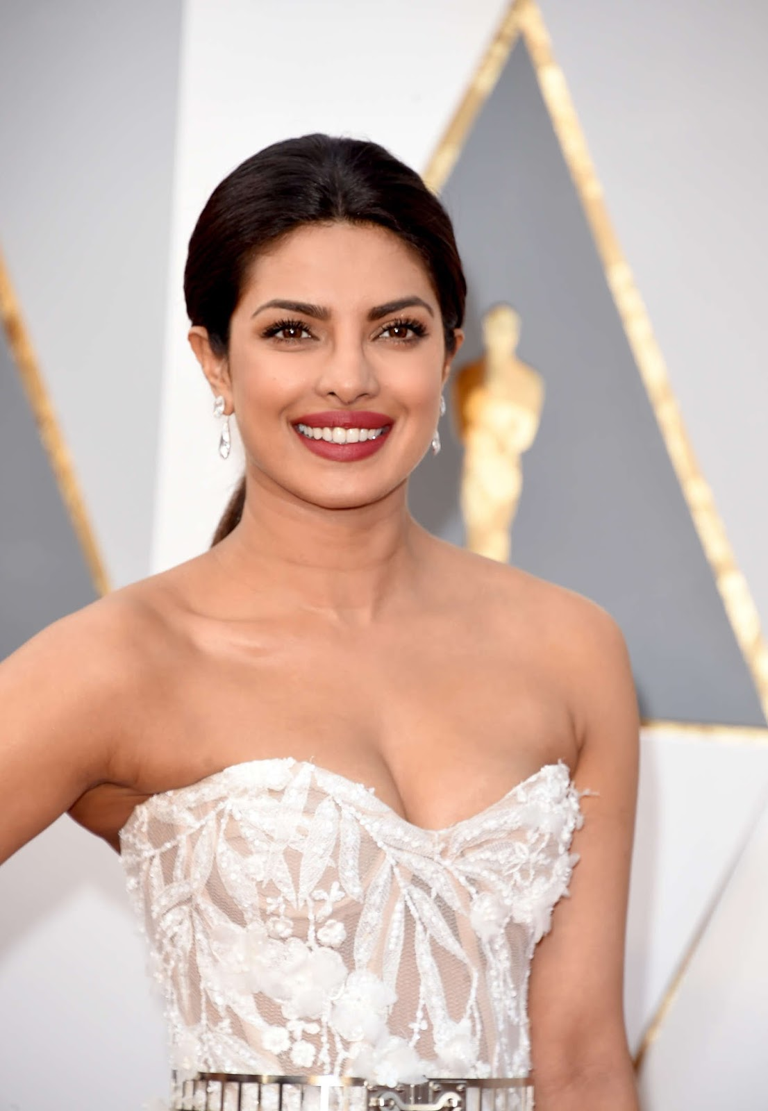 Priyanka Chopra Stills At Oscars Awards