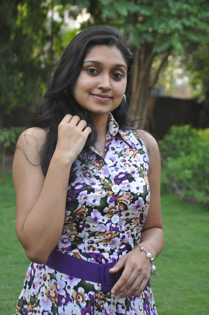 Sija Rose Tamil Actress Pics ~ All Heroines Photos