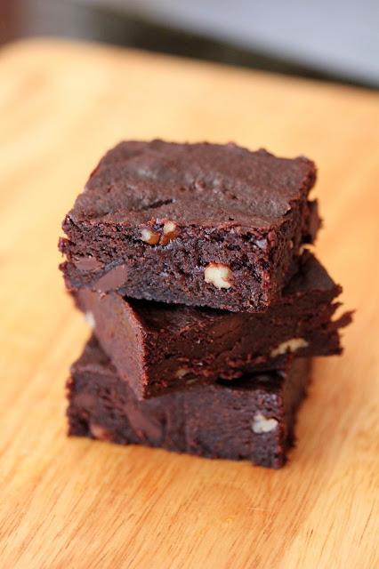 Fudgy Brownies with Walnuts