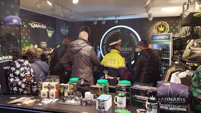 Cannabis light store