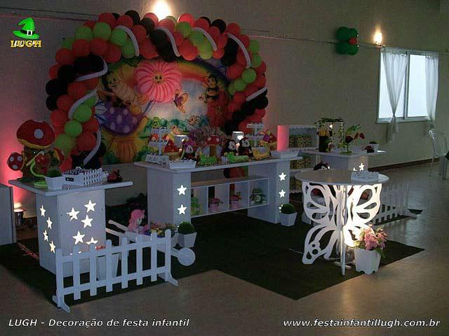 Decoração de festa Jardim Encantado para aniversário infantil em mesa provençal