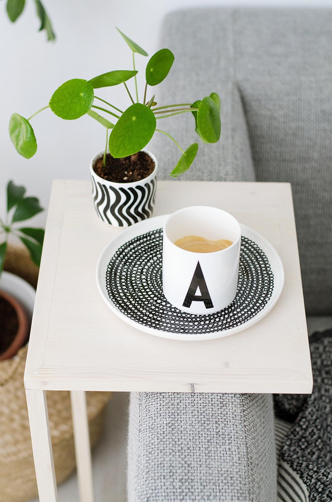 simpler diy beistelltisch gewinner der stelton verlosung. Black Bedroom Furniture Sets. Home Design Ideas