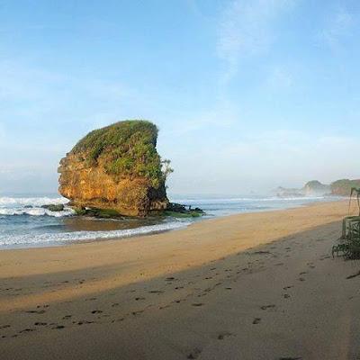 Pantai Kondang Iwak Malang Mari NGEtrip