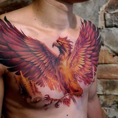 Fotos de Tatuajes : Tatuaje Ave Fénix en el pecho