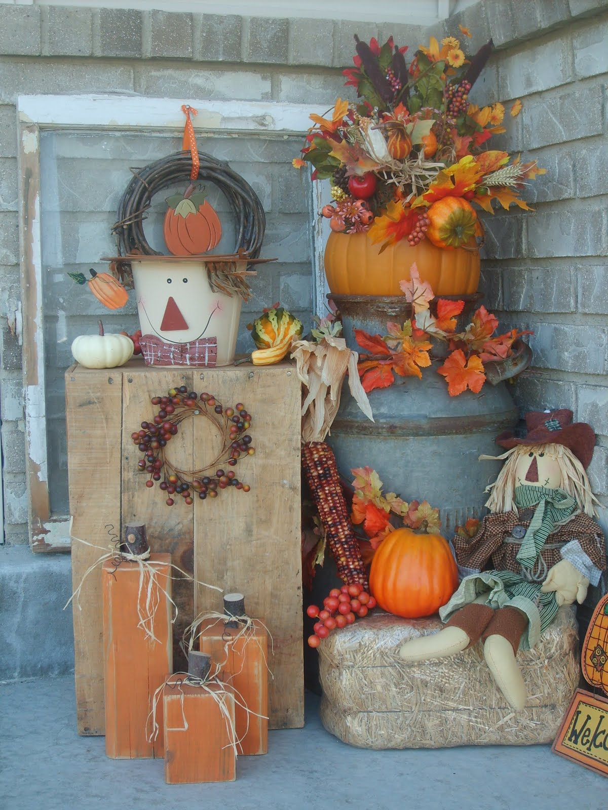 Craft critters fall porch - Fall porch decorating ideas ...