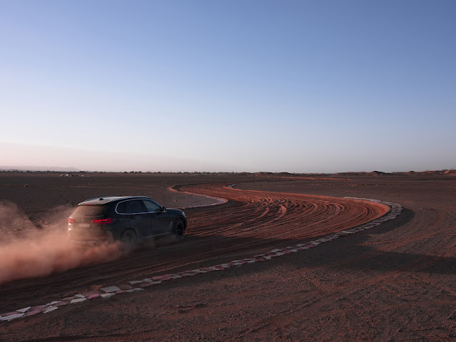 BMW and M&C Saatchi Milan Recreate the Monza Race Track in the Sahara Desert to Launch the New BMW X5