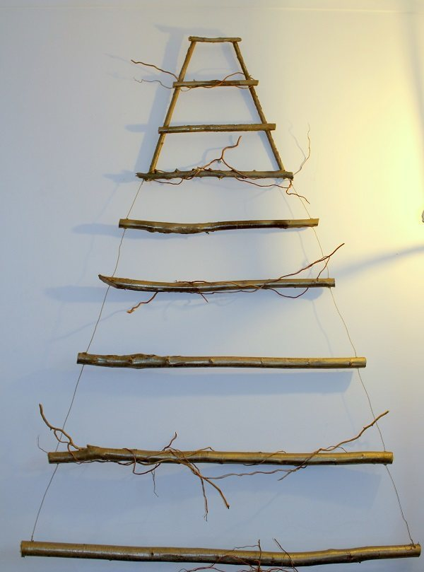 alternative christmas tree without decorations
