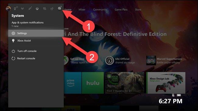 القائمة الفرعية Xbox مع الأسهم التي تشير إلى خيار إعدادات الترس والإعدادات.