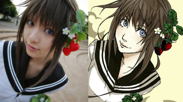 Anime vs Rzeczywistość: dziewczyna mająca truskawki we włosach