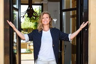 Sophie Hilbrand opent eigen hotel om te praten over seks