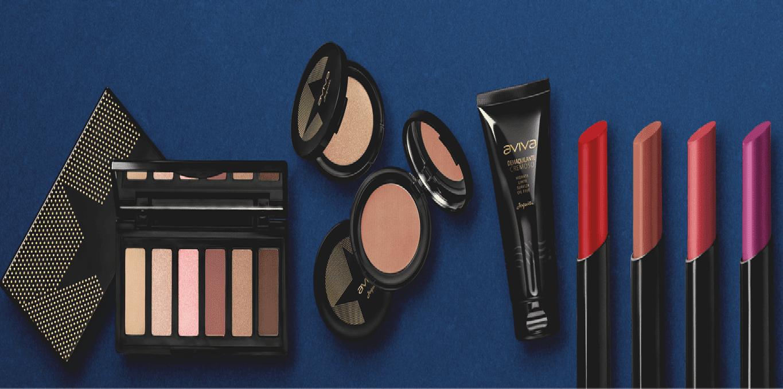 Uma coleção completa com 12 produtos, entre eles, makes para olhos, rosto e boca!