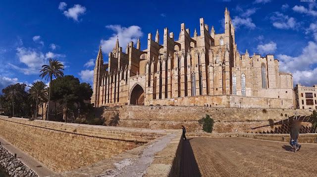 Cathédrale de Majorque de Palma en Espagne spain en français
