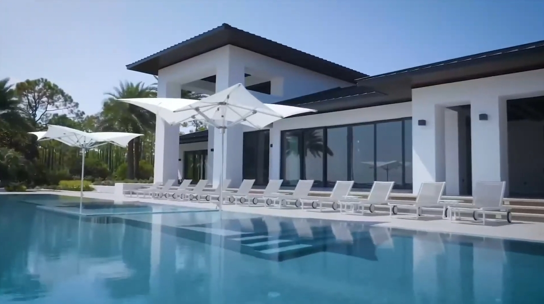 Tour Florida Luxury Modern Mansion vs. 20 Interior Design Photos