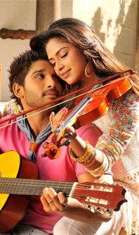 Allu Arjun And Amala Paul In Iddarammayilatho Latest Stills BUNGA TIDUR: Allu Arju...
