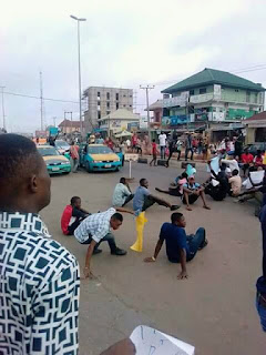 Aaua student protest - Details and photos