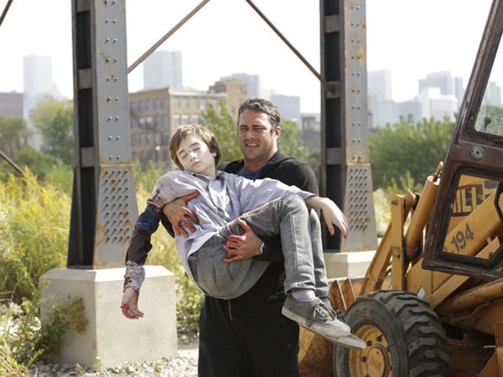 Chicago Fire - Season 2 Episode 06: Joyriding