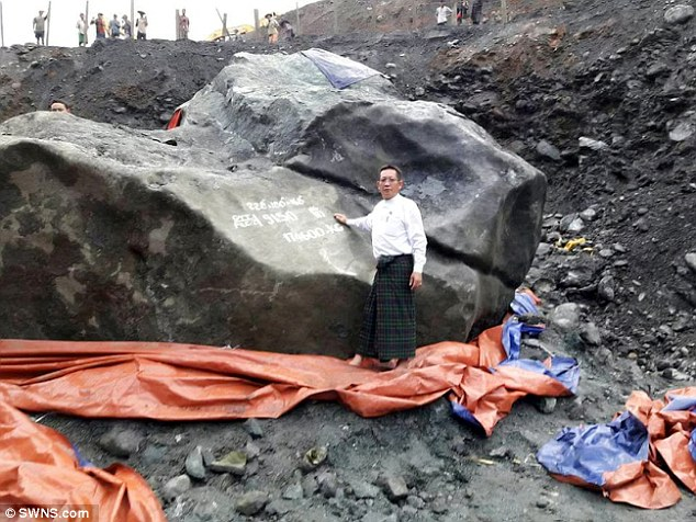 The remarkable stone weighs a staggering 175 tonnes, measures 9ft high, 18ft long and 18ft wide.