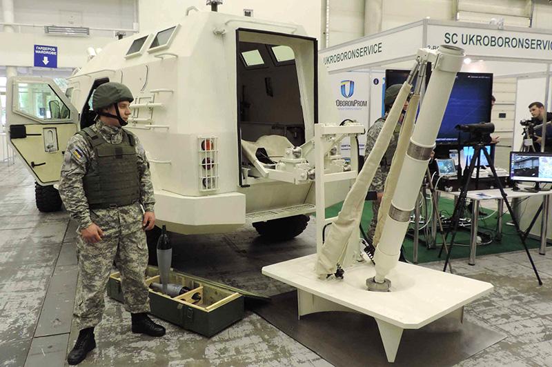 Бронеавтомобіль «Барс-8» з мінометом