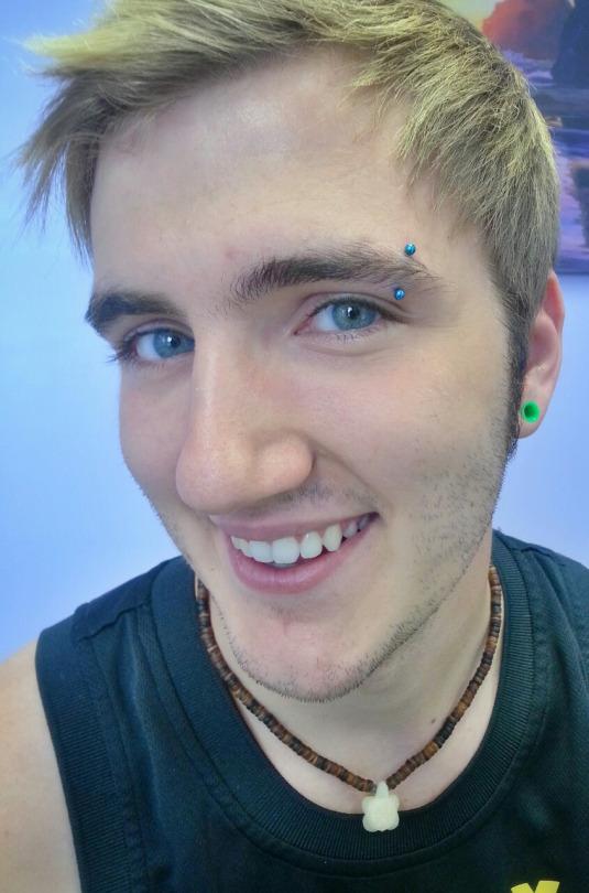 28 Ultimate Modern Eyebrow Piercing Ideas