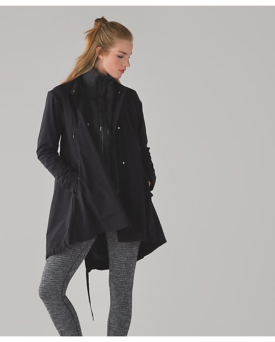 lululemon  &go-swing-trench