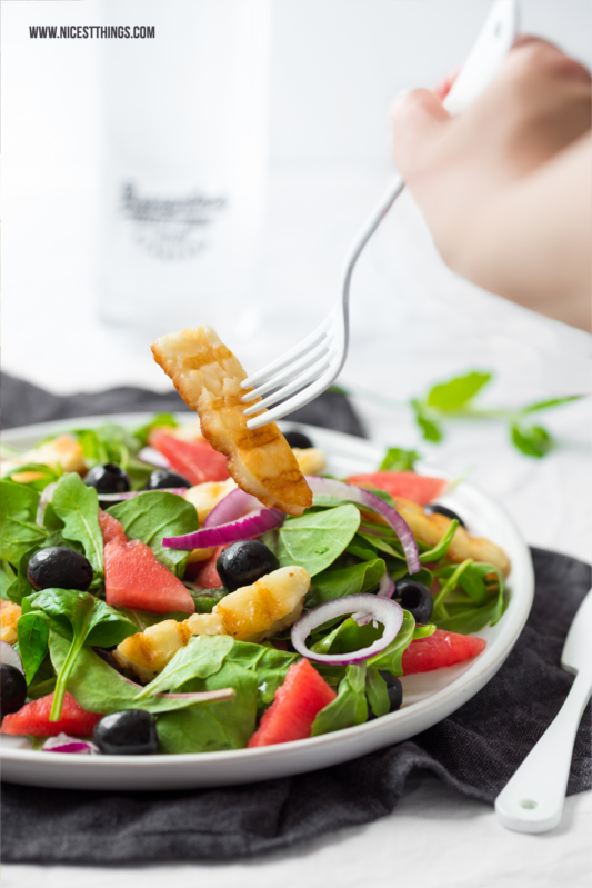 Halloumi Salat Sommersalat Wassermelone Salat #halloumi #salat #sommersalat #wassermelonensalat #wassermelone #grillen #grillkäse #sommerrezepte