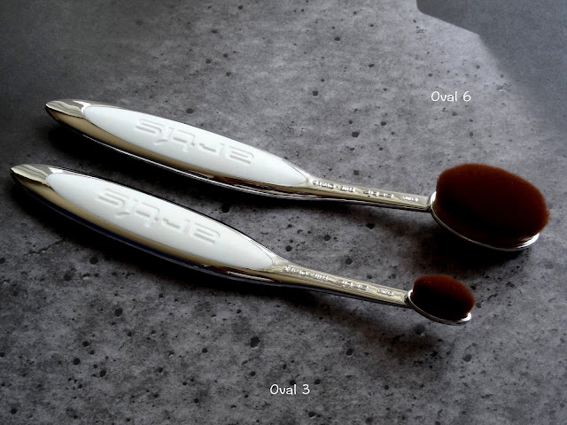 Artis Elite Mirror Finish Oval 3 and 6 Brushes