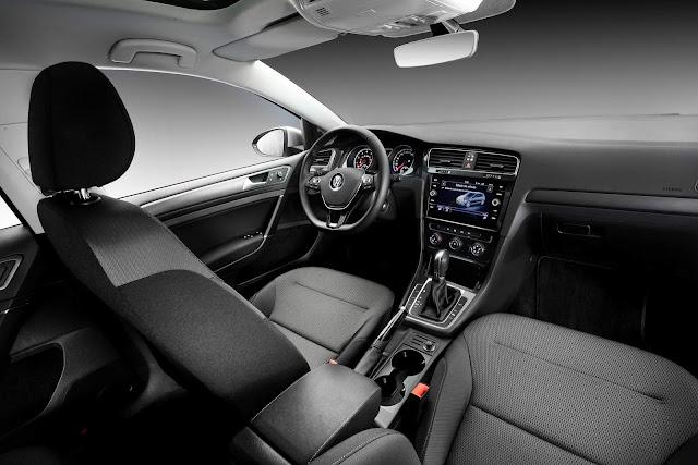 VW Golf 2019 Comfortline 200 TSI Automático - interior