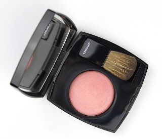 Chanel Joues Contraste Powder Blush in 72 Rose Initial review