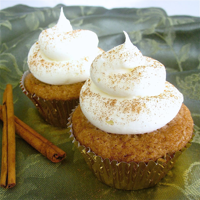 Buttermilk Spice Cupcakes With Maple Cream Cheese Frosting